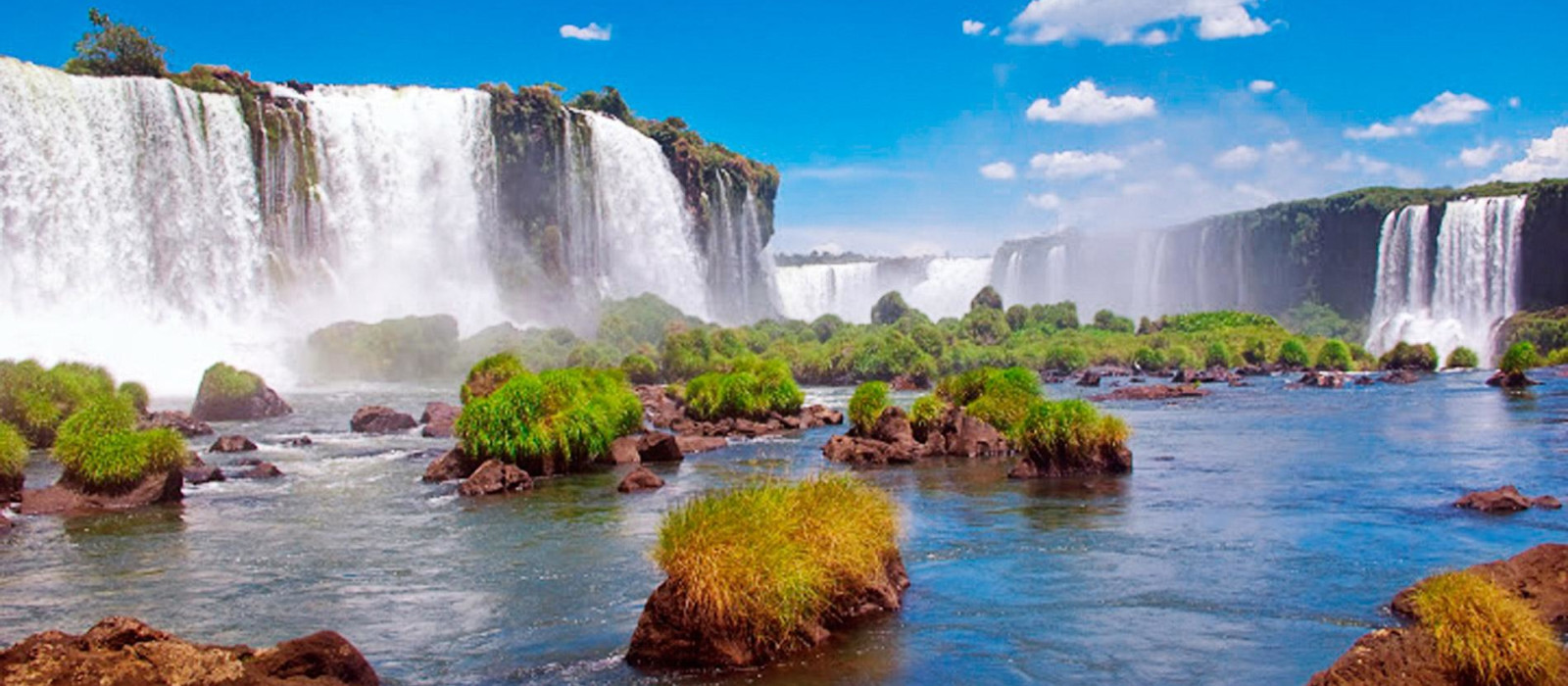 Brazil's Wildlife, Waterfalls and Beach Tour Trip 1