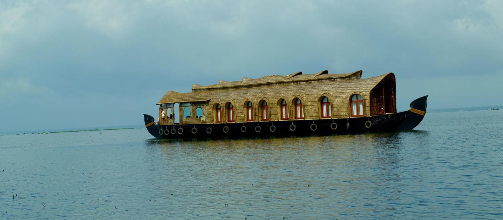 Hotel Lake Resort Houseboat South India