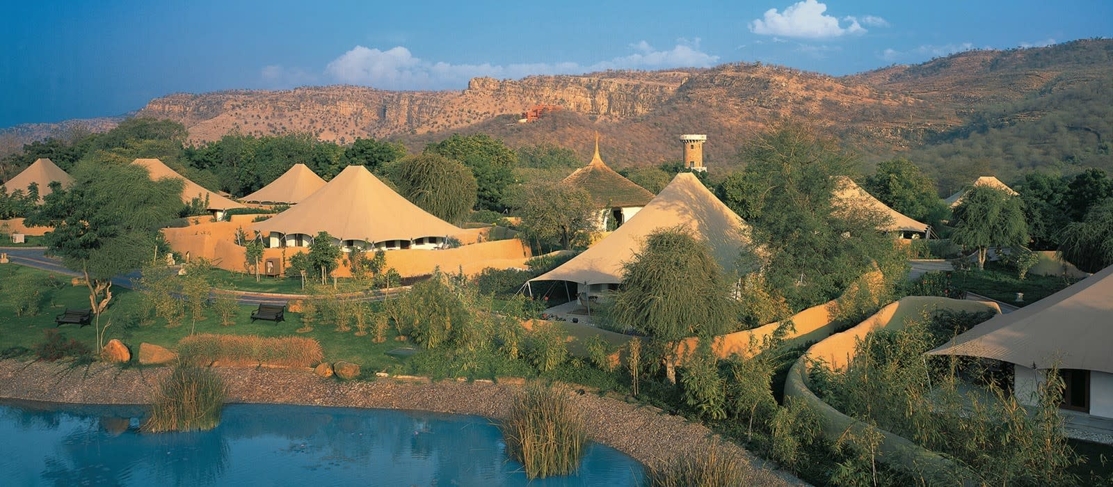 Hotel The Oberoi Vanyavilas Wildlife Resort North India