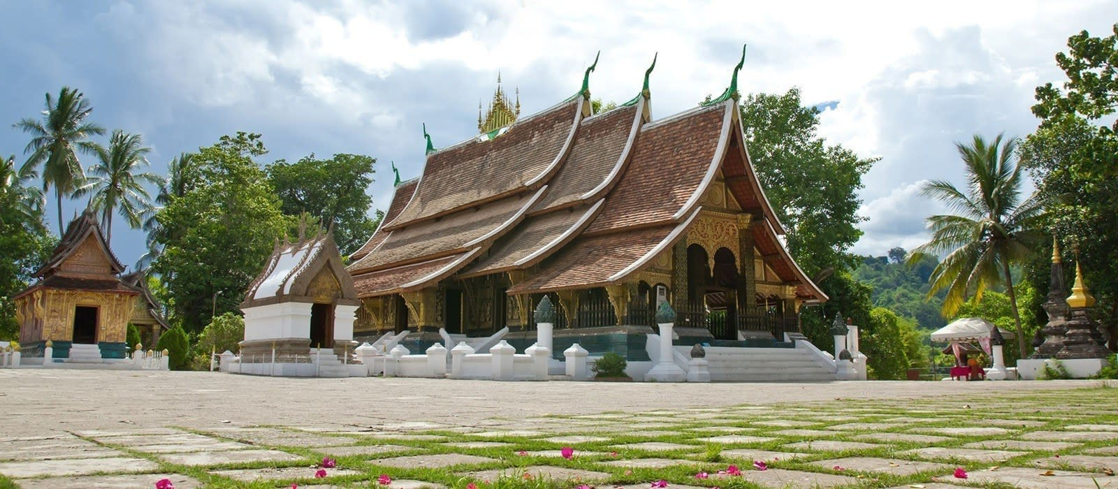 Live Laos: From Monks to Mekong Tour Trip 1