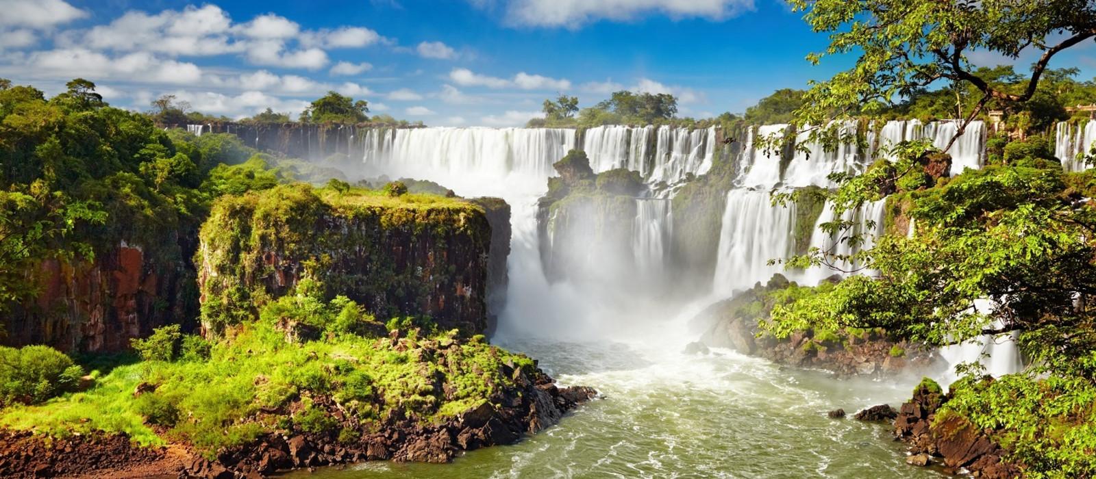 Brazil: Thrilling Waterfalls, Pantanal & The Amazon Tour Trip 1