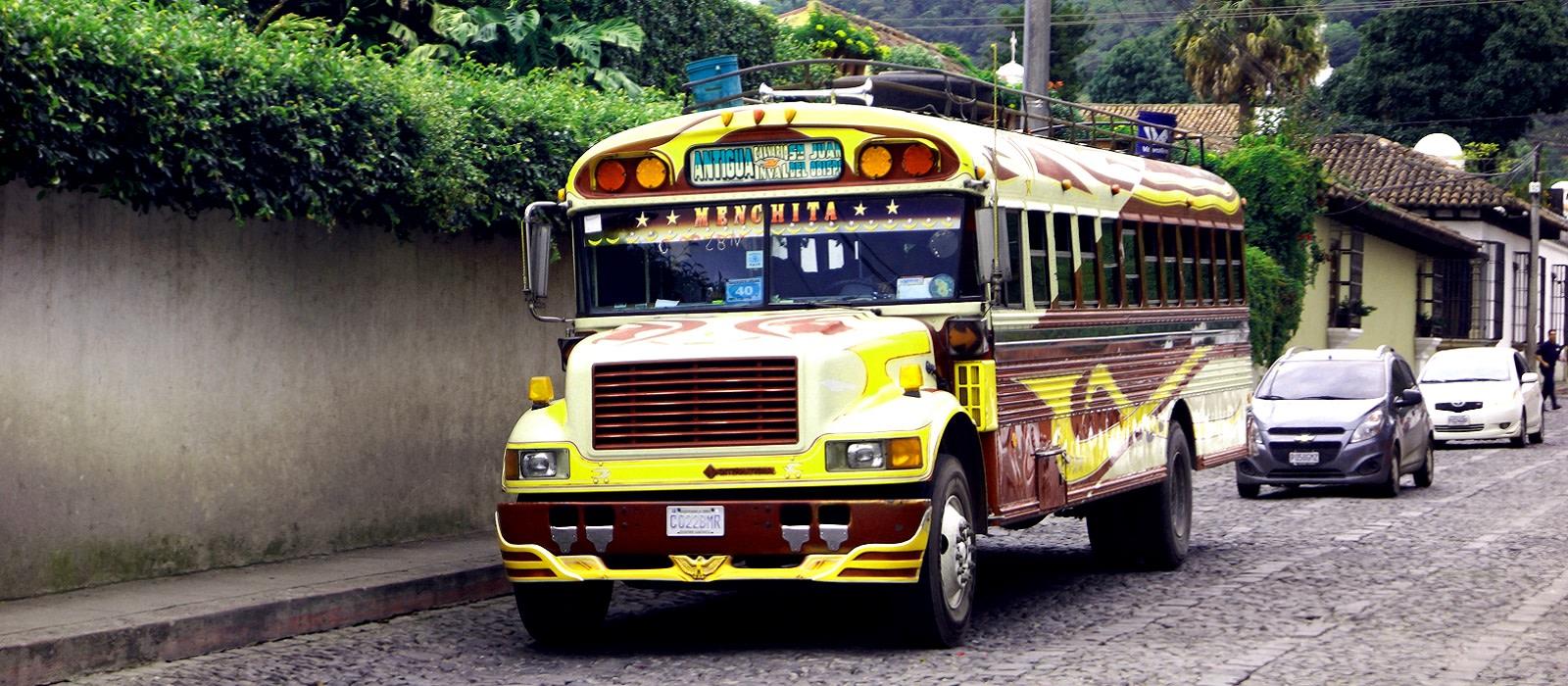 Guatemala Reise: Glitzernder See & schillernde Kultur Urlaub 1