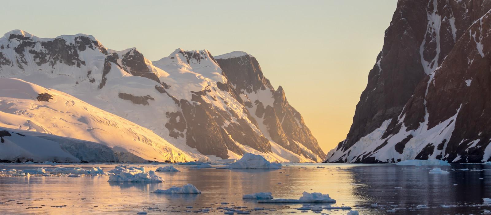 Antarctica: Solar Eclipse Expedition Tour Trip 1
