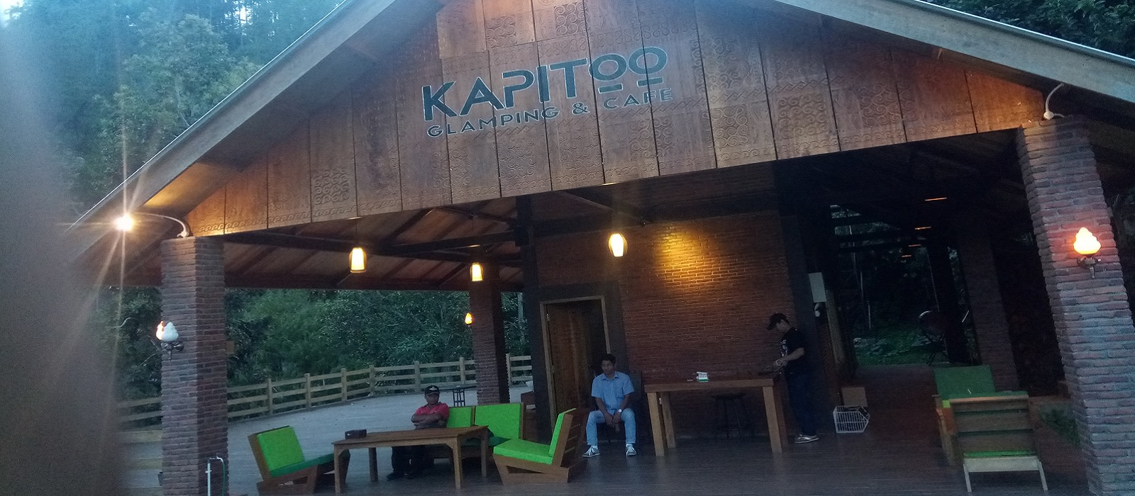 Hotel Glamping Kapitoo and Cafe Indonesien