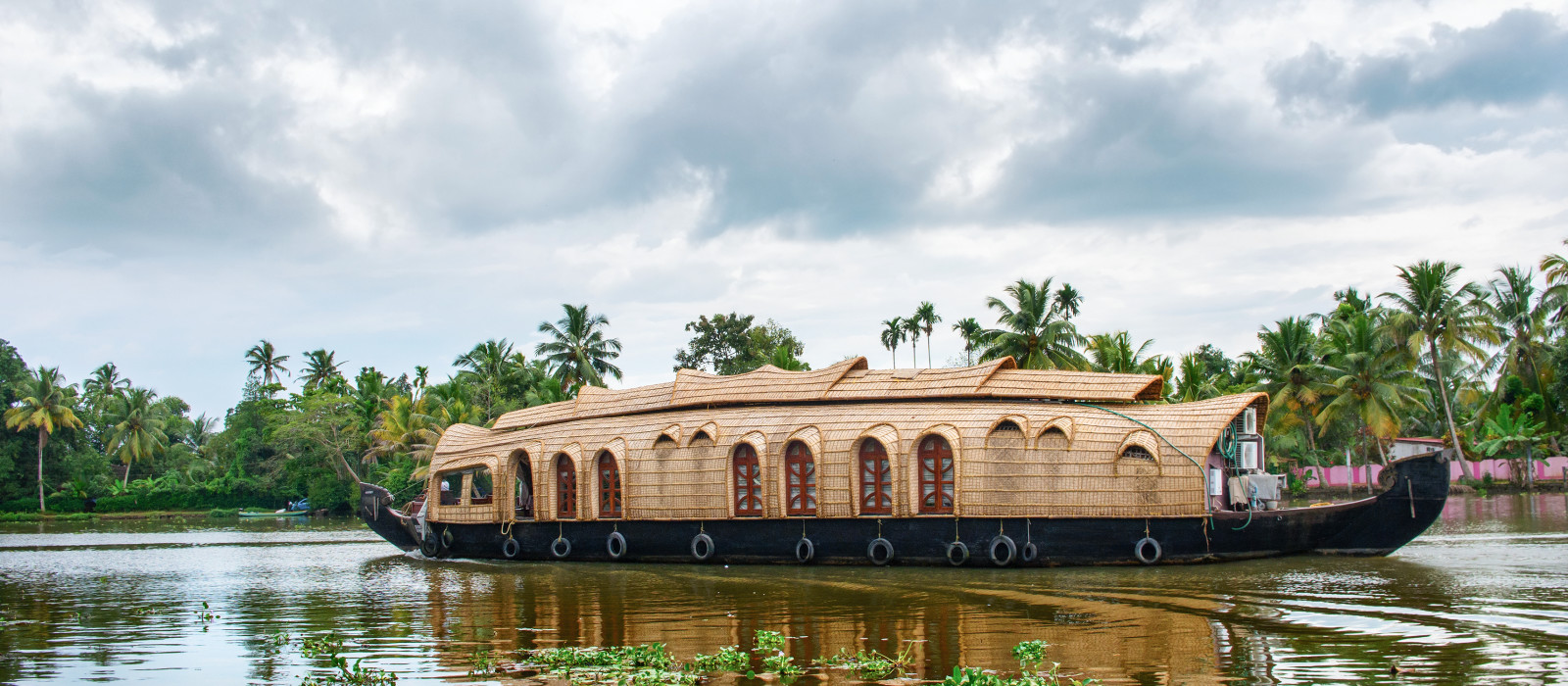 Kerala: Temples, Tea Plantations and Backwaters Tour Trip 1