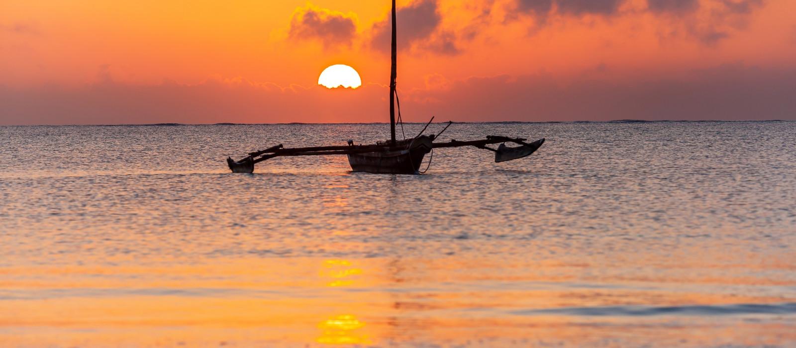 Kenya: Walking Safari and Beach Tour Trip 1