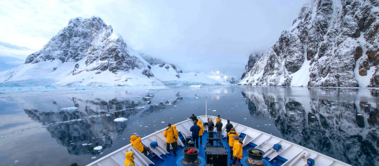 Antarctic Express: Crossing the Circle Tour Trip 1