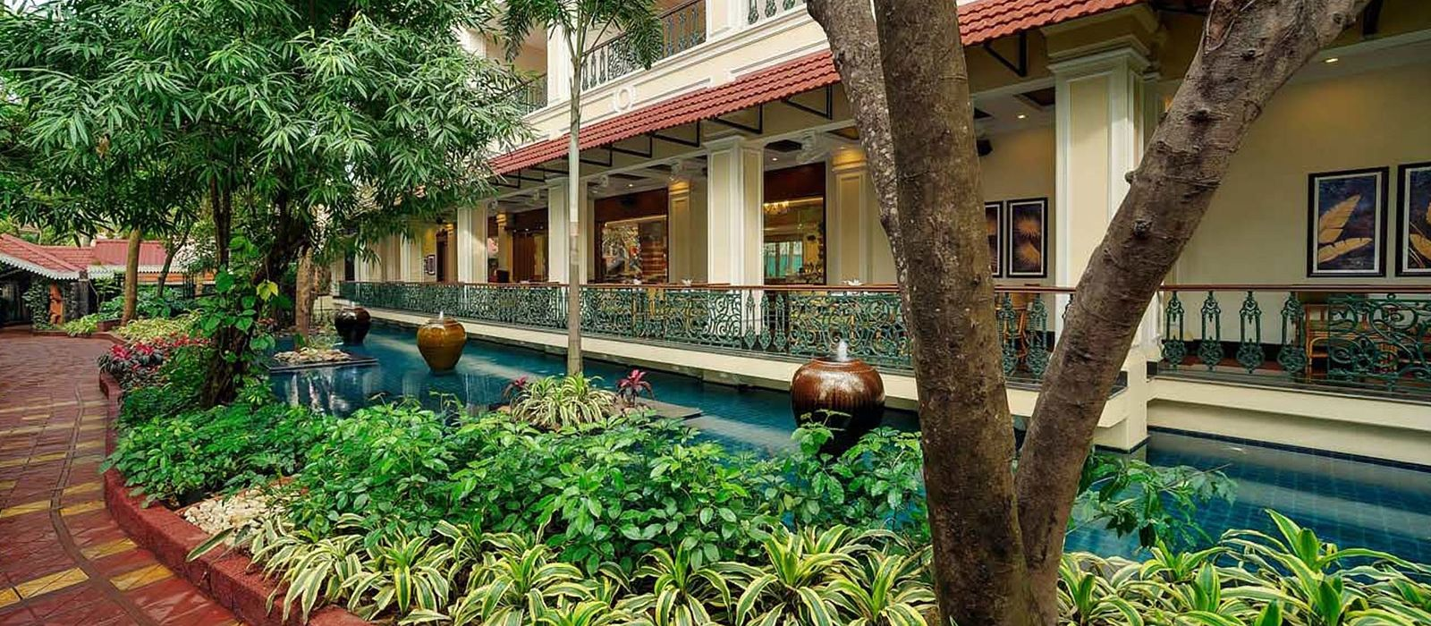 Hotel Mayfair Lagoon East India