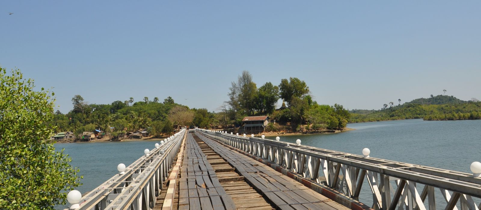 Destination Ngwe Saung Beach Myanmar
