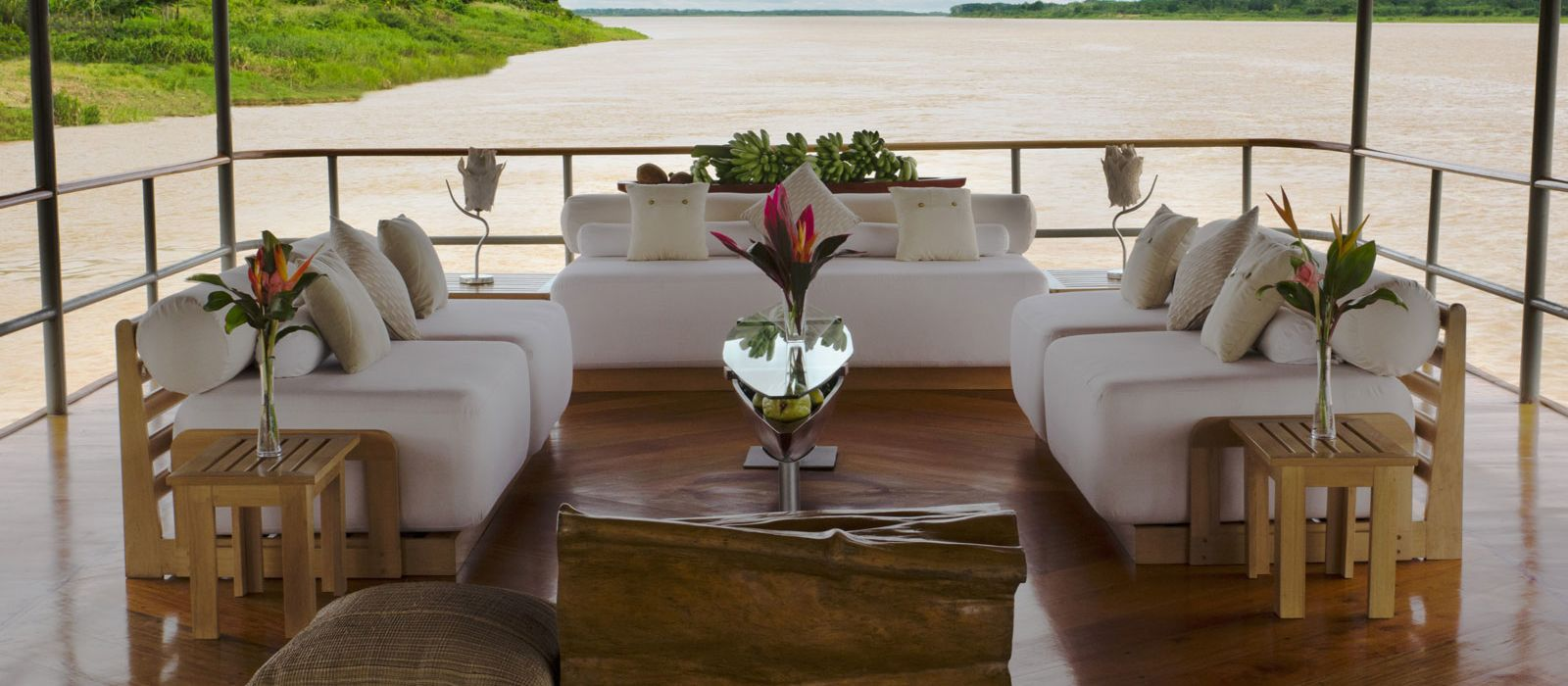 Hotel Delfin Cruises I Peru