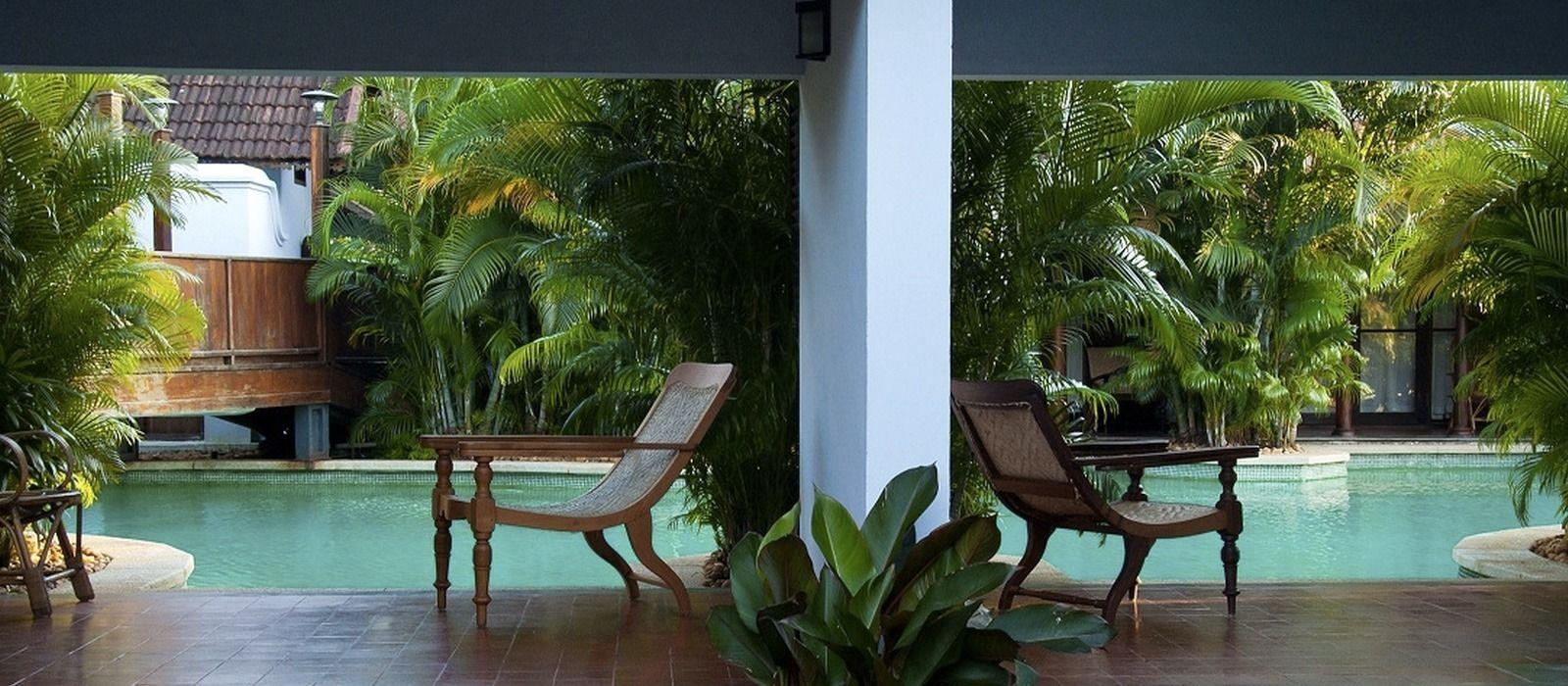 Hotel Kumarakom Lake Resort South India