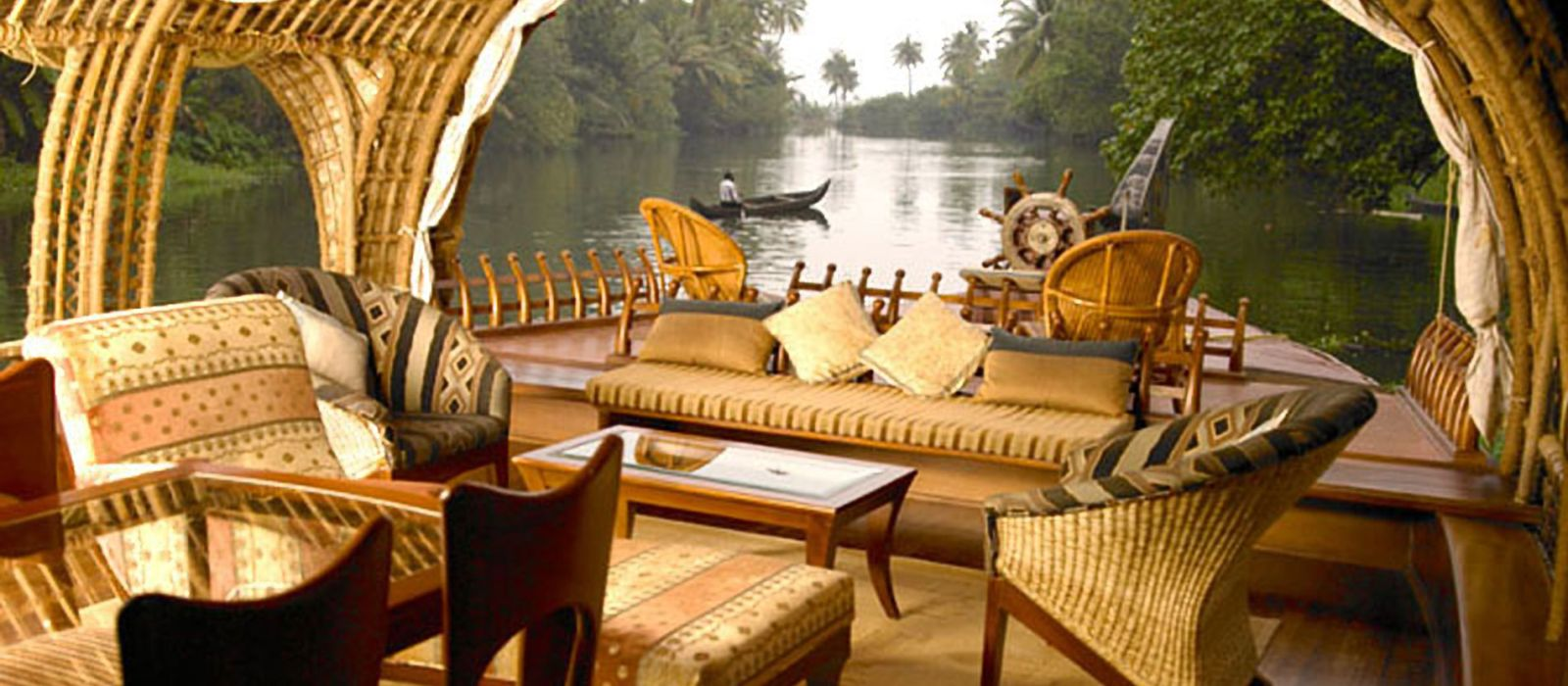 Hotel Lakes And Lagoons South India