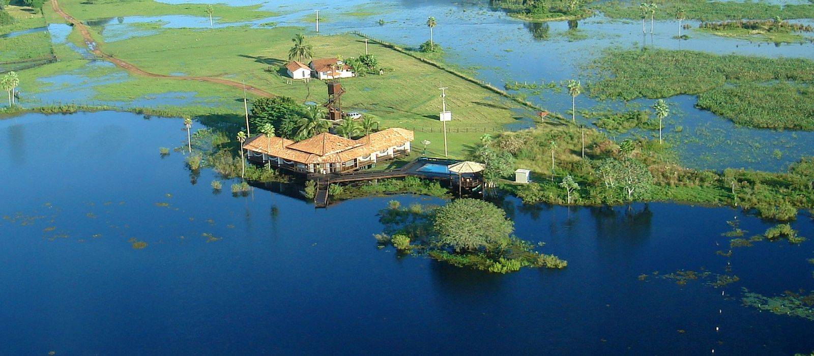 Hotel Caiman Ecological Refuge Baiazinha Lodge Brazil