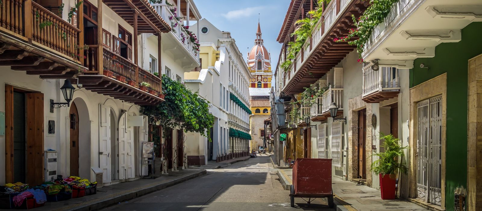 Colorfully Yours, Colombia Tour Trip 1