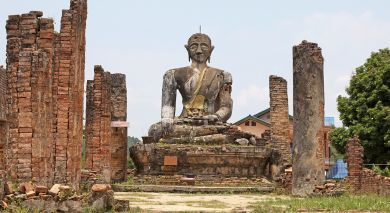 Example private tour: Live Laos: From Monks to Mekong