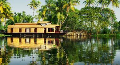 Example private tour: Backwaters to Beaches – Best of Kerala & Sri Lanka