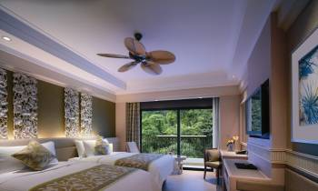 Superior Hill View room