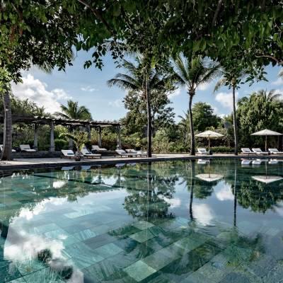 Maradiva Main Swimming Pool
