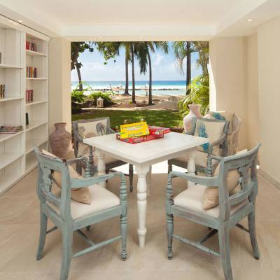 Beachfront library and lounge