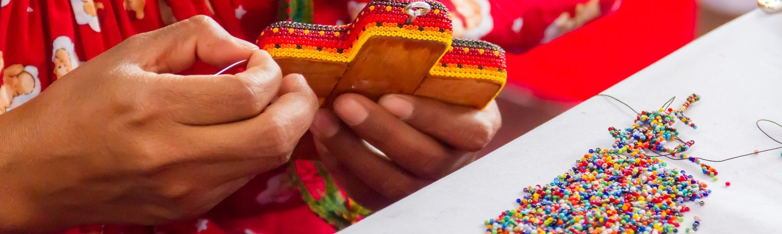 Enchanting Travels Working hands on traditional handcraft from the south of Mexico
