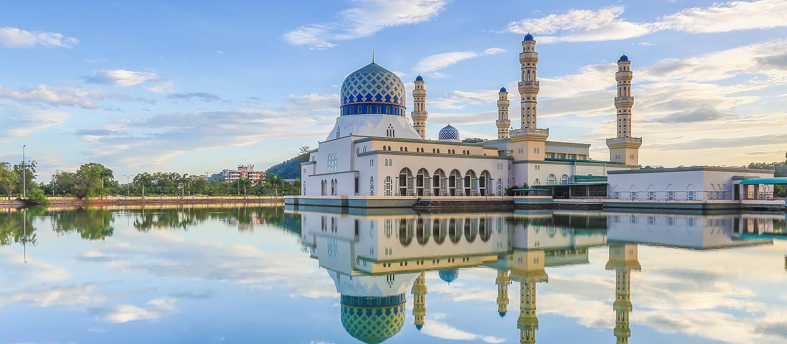 Malaysia-Kota-Kinabalu-Sabah-Masjid-Bandaraya-Likas - history of Malaysia