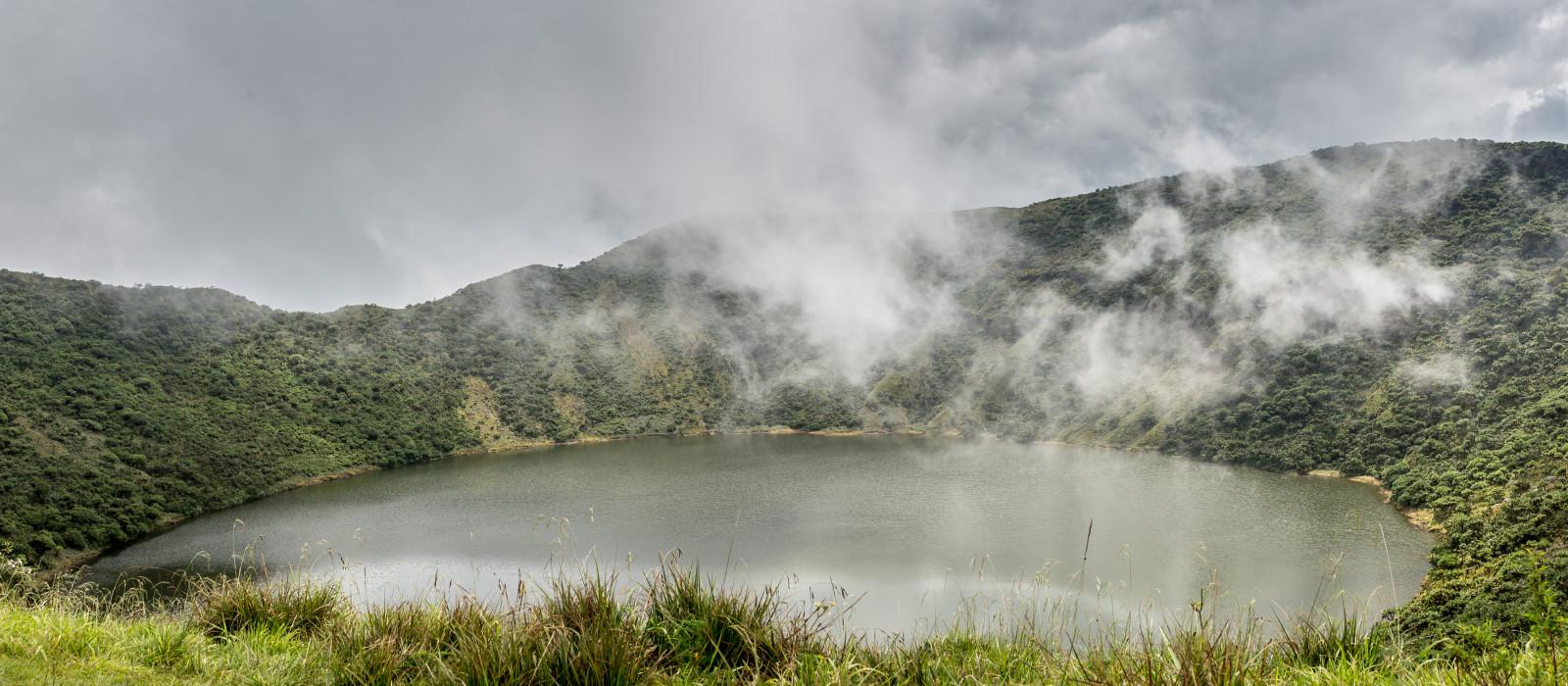 ee im Inneren Bisoke Vulkankrater, Virunga Nationalpark Vulkan, Ruanda