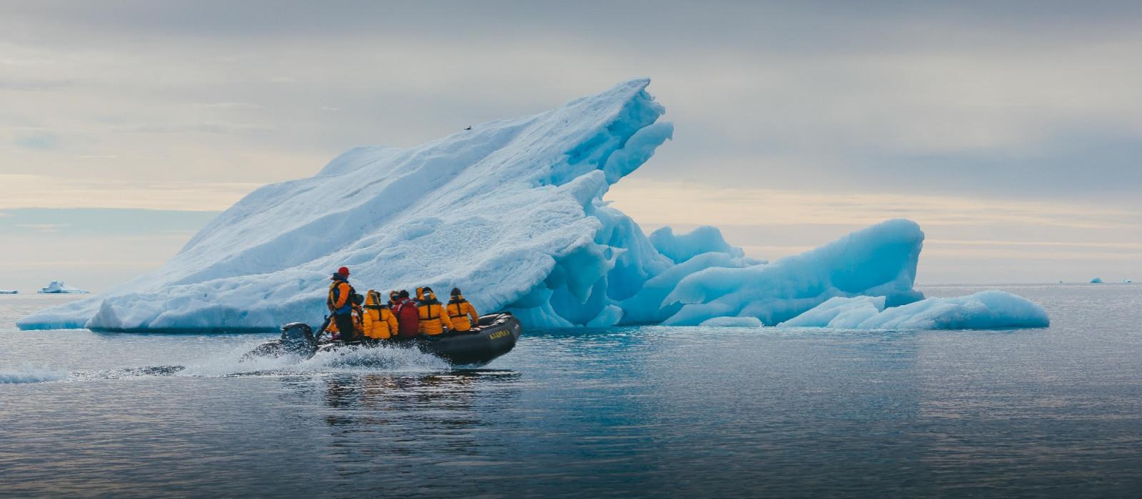 Enchanting Travels Arctic Tours - Zodiac boat ride