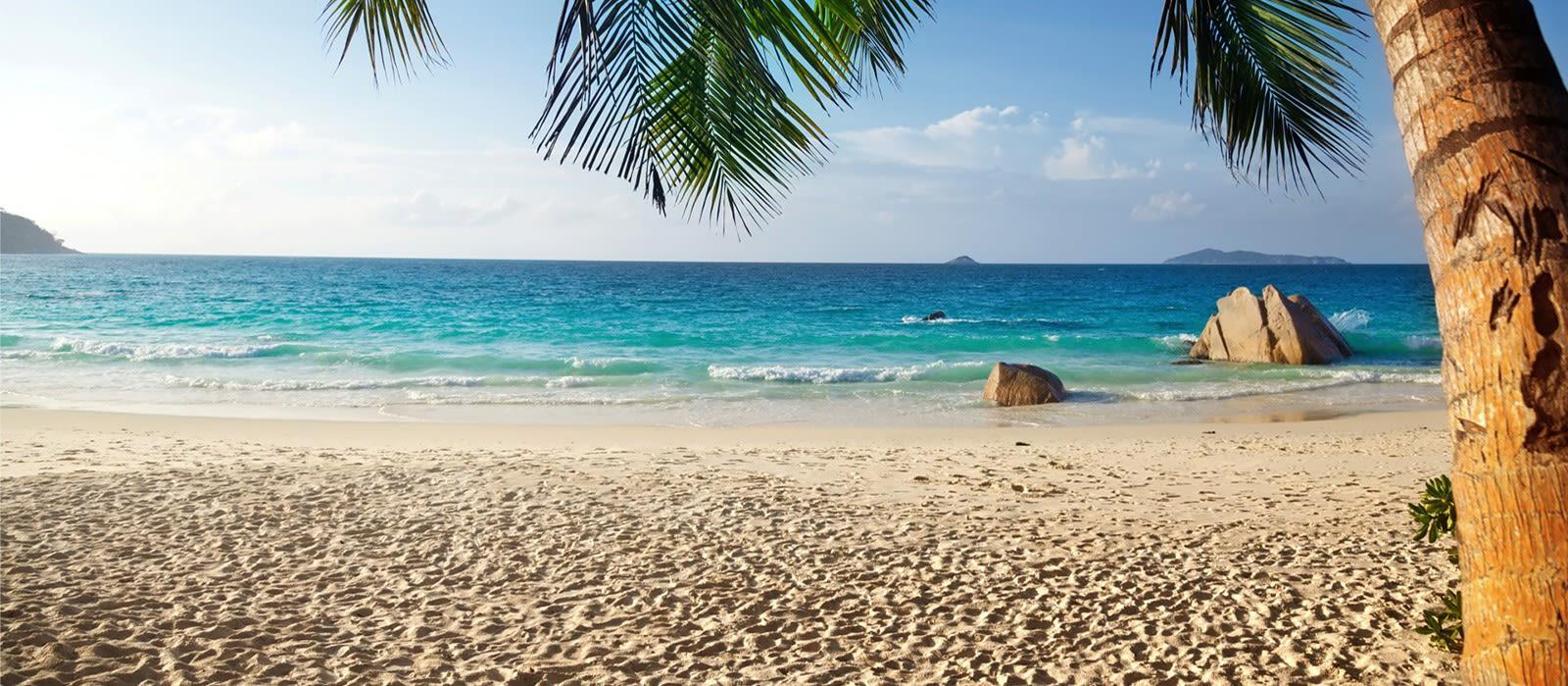 Turquoise water beach, Goa, India, Asia