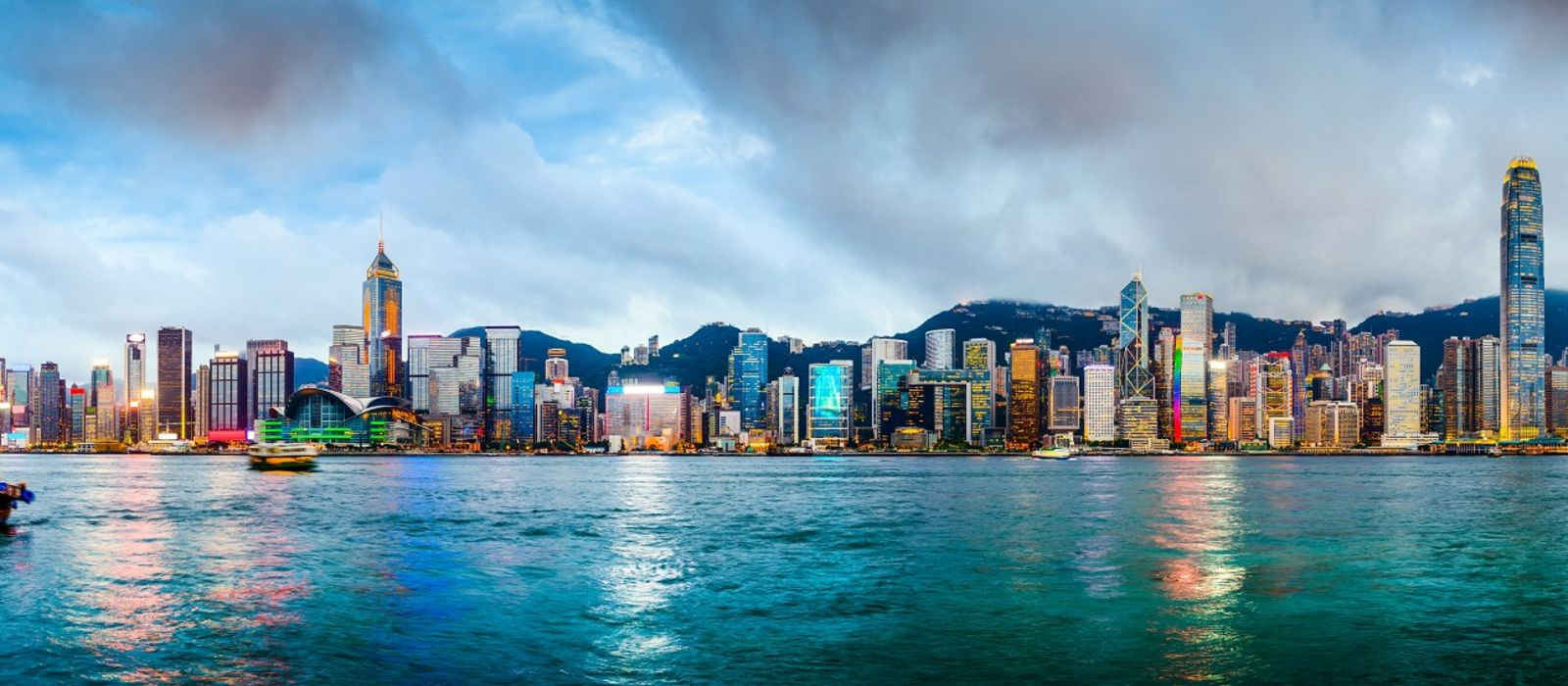 Things to do in Hong Kong - Visit Victoria Harbor