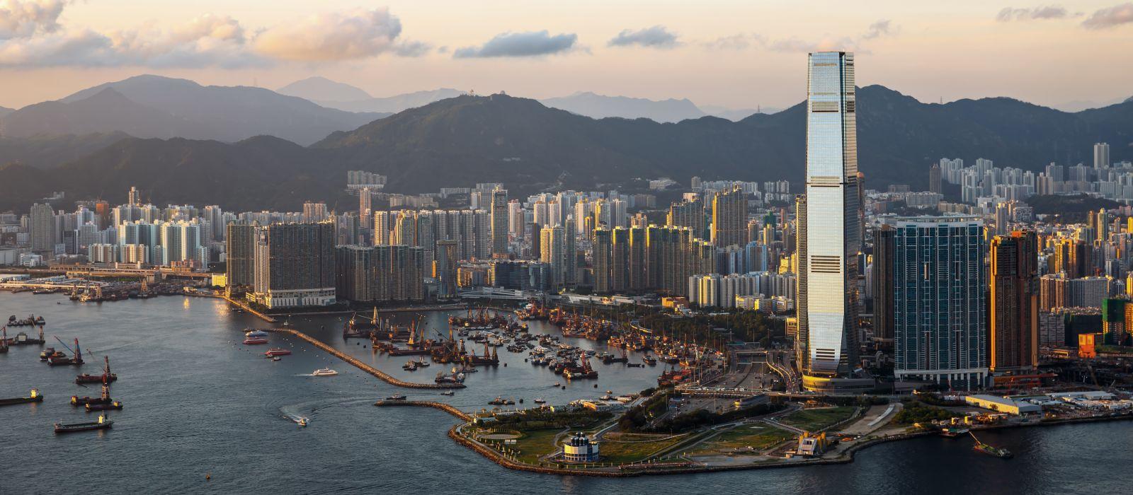Schöner Sonnenuntergang in West Kowloon, Hongkong, Asien