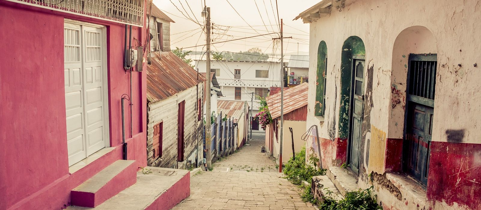 History of Costa Rica - Colorful streets tell interesting stories
