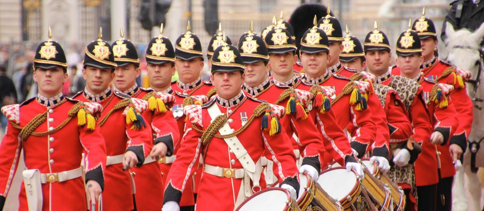 Enchanting Travels UK & Ireland Tours Guards