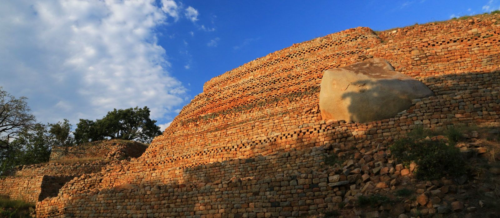 Ruins-of-Khami-near-Bulawayo-thing to do in Zimbabwe - History of Zimbabwe