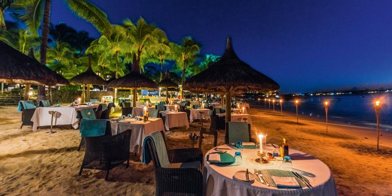 Abendessen auf einem Strand von Mauritius