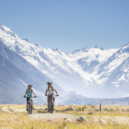Enchanting Travels New Zealand Tours Mount Cook Mt-Cook-Canterbury-Miles-Holden (2)