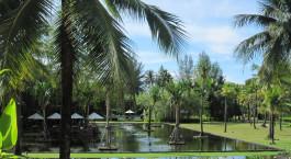 Außenansicht im Hotel The Sarojin in Khao Lak, Thailand
