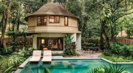 Pool im Hotel Rayavadee in Railay Beach, Thailand