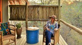 Balkon im Hotel Chobe Bakwena Lodge in Chobe National Park, Botswana