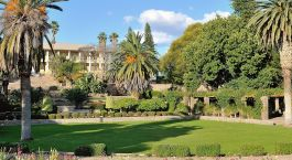 Namibia Reisen: Parlament in Windhoek