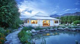 Außenansicht des Essbereiches im The Chamba Camp, Thiksey Hotel in Leh, Himalaja