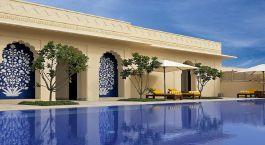Pool im The Oberoi Sukhvilas Spa Resort in Chandigarh, Nordindien