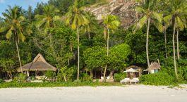 Frontansicht im Hotel North Island in North Island, Seychellen