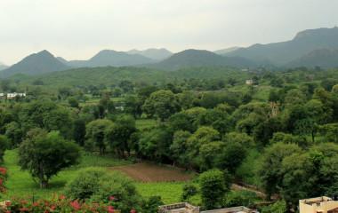 Aravalli Gebirge bei Devigarh