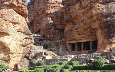 Die Badami Höhlentempel