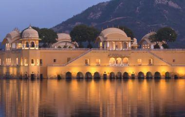 Luxuriöse Flitterwochen in Indien