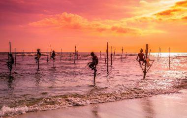 Sri Lanka beaches - Fisherman,-Sri-Lanka,-Asia-lp-0006