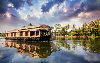 Enchanting Travels South India Tours Kerala Houseboat Tour