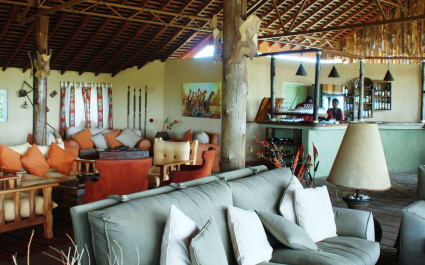 Enchanting-Travels---Kenya-Tours---Masai-Mara---Tipilikwani-Mara---Restaurant