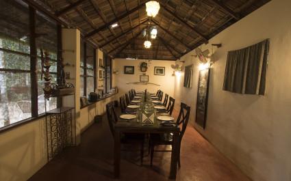 Essbereich im Hotel  Grassroots Wayanad, Südindien