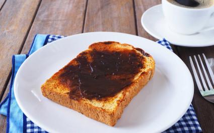 cuisine in Australia - vegemite
